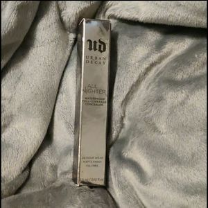 Urban Decay All Nighter Waterproof Full-coverage C
